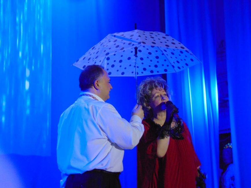 Мариупольцам подарили праздник музыки, стихов и любви (ФОТО+ВИДЕО) (фото) - фото 3