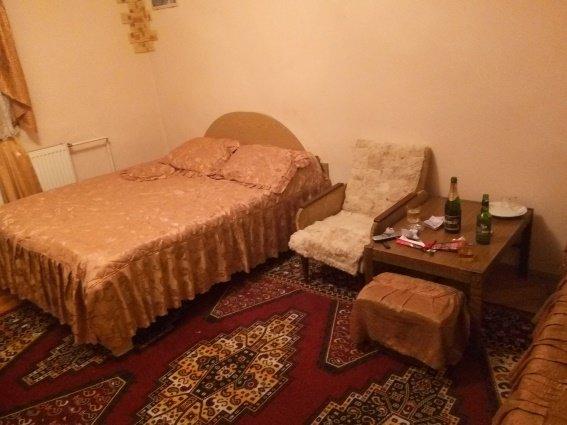 На Ужгородщині викрили звідницю, яка торгувала жінками через інтернет (ФОТО) (фото) - фото 1