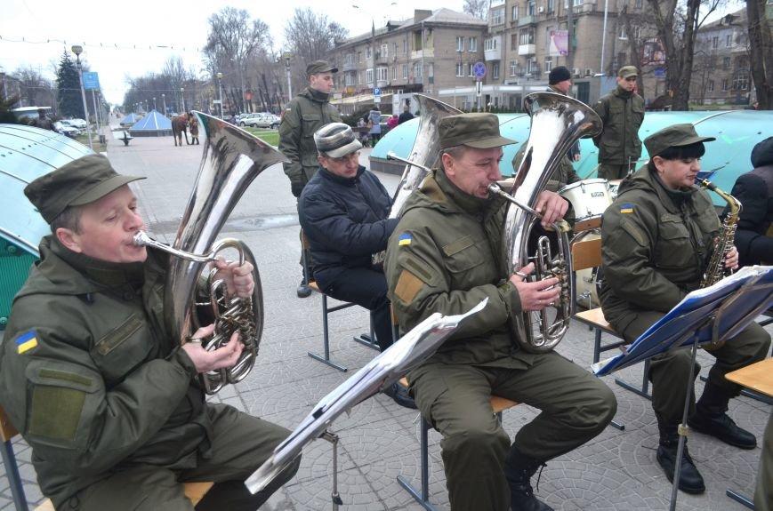 Вторую годовщину со дня создания Нацгвардии в Запорожье отметили с оркестром, - ФОТОРЕПОРТАЖ (фото) - фото 4