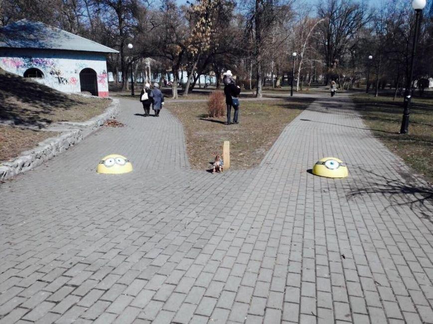 В Киеве ограничительные полусферы раскрасили в мультяшных героев (ФОТОФАКТ), фото-2