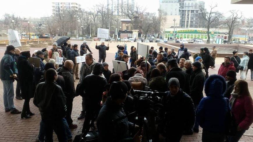 Горящие покрышки, лежачие протесты... Одесситы на акции протеста защищают Французский бульвар (ФОТО) (фото) - фото 4