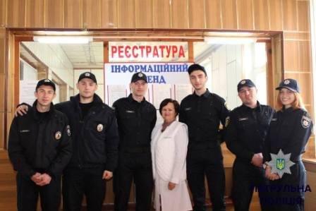 Патрульные полицейские в свой выходной пришли сдавать кровь для детей (фото) (фото) - фото 2