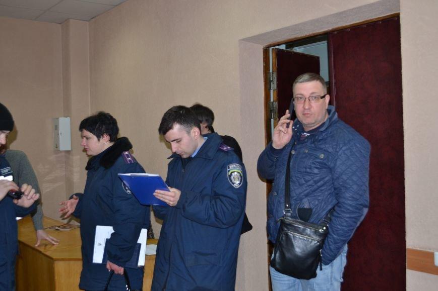 На заседание горизбиркома Кривого Рога вызван наряд полиции: за членами комиссии установили видеонаблюдение (ФОТО), фото-2