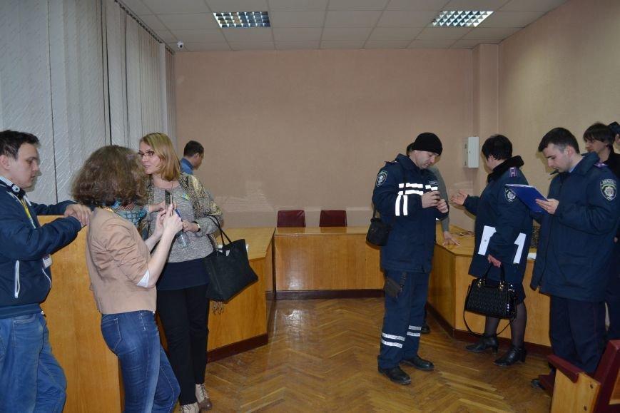 На заседание горизбиркома Кривого Рога вызван наряд полиции: за членами комиссии установили видеонаблюдение (ФОТО), фото-1