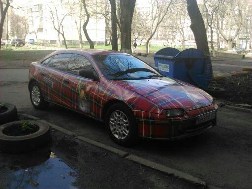 7d09fe7466e0d34e0b35fce8e452d542 По Одессе катается необычная машина-пиджак