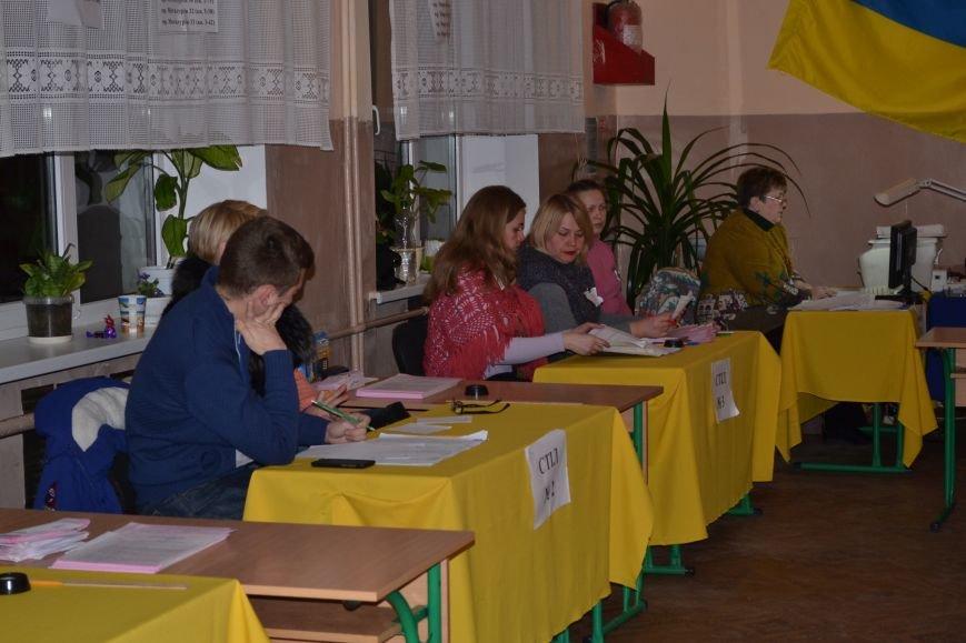 На избирательных участках Кривого Рога готовятся к подведению итогов голосования (ФОТО), фото-4