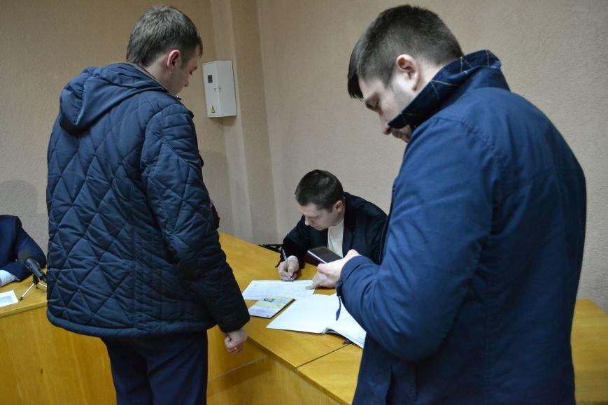Горизбирком Кривого Рога принял первый протокол районной избирательной комиссии (ФОТО), фото-2