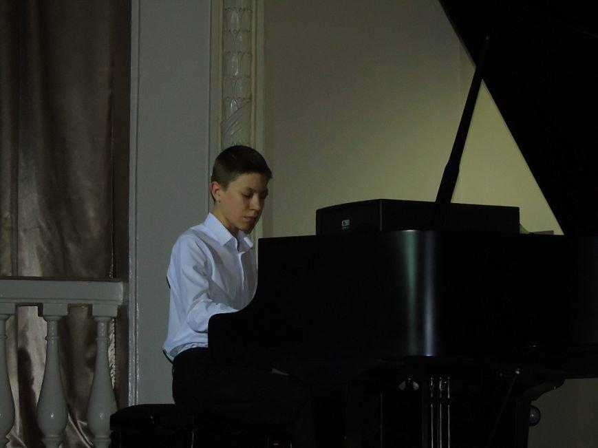 Концерт «О весне, о музыке, о себе» получил признание полевчан (фото), фото-1