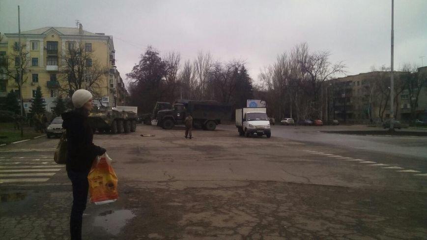 Краматорск ждет Порошенко: центральную площадь окружили бронетехникой (ФОТО) (фото) - фото 12