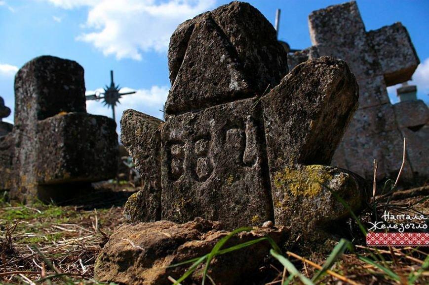 8916a8b157780de26a24d5080f4961ef Вместе – сила! Одесские патриоты привели в порядок старинное казацкое кладбище