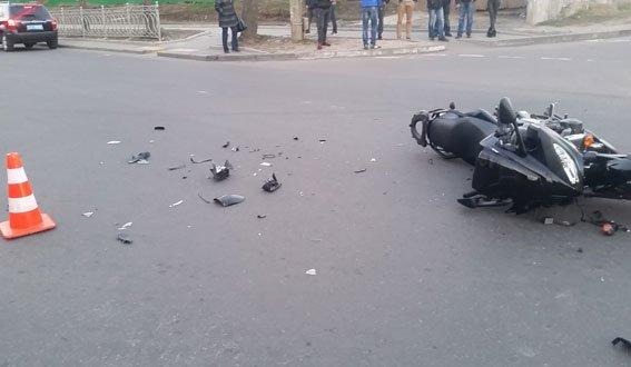 У Рівному у ДТП постраждав мотоцикліст [ФОТО] (фото) - фото 4