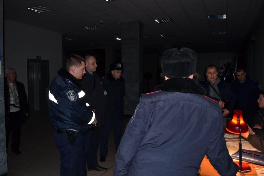 Стало известно, кто установил систему видеонаблюдения в помещени горизбиркома Кривого Рога (ФОТО), фото-10