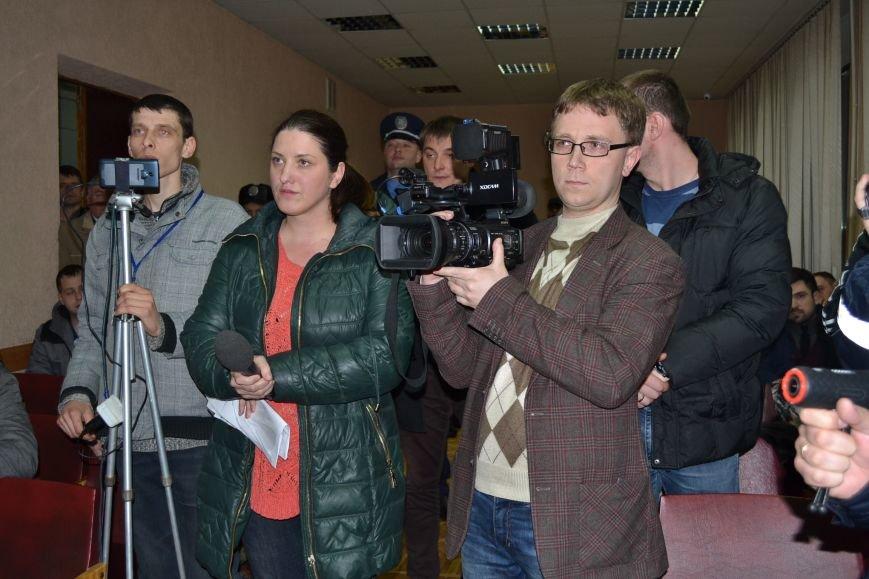 Стало известно, кто установил систему видеонаблюдения в помещени горизбиркома Кривого Рога (ФОТО), фото-1