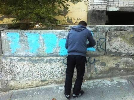 Неравнодушные херсонцы приводят город в порядок (фото) - фото 2