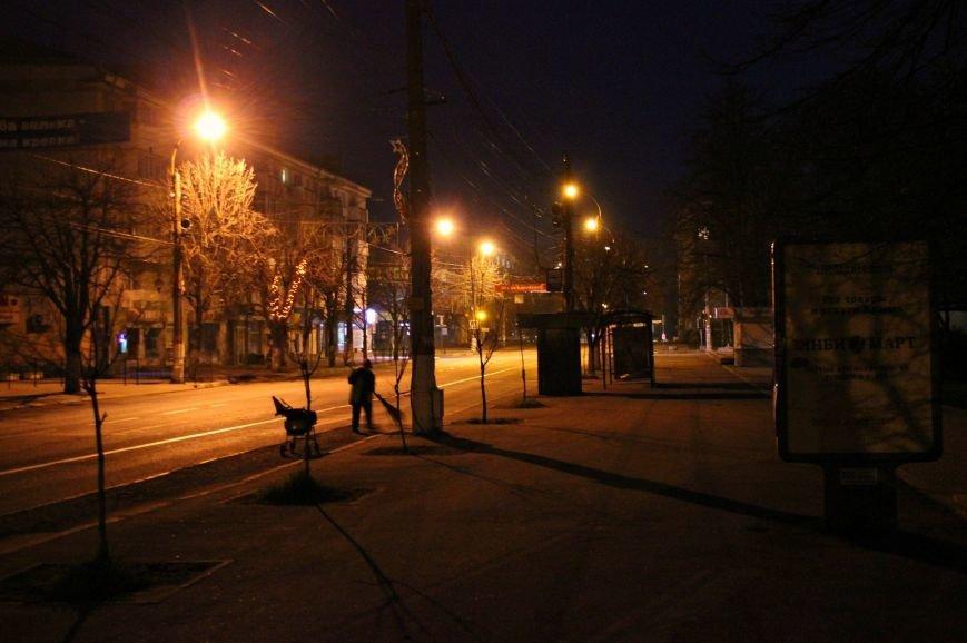 Ручная работа: как убирают центр Симферополя (ФОТО) (фото) - фото 2