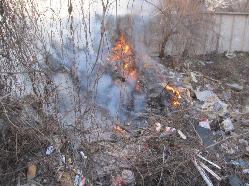 Небезпека посеред міста: палає білоцерківське сміття! (фото) - фото 1