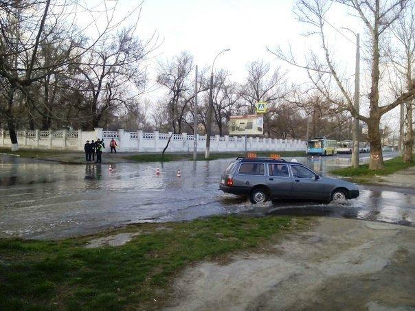 В Херсоне перекрыт перекресток Кулика и Выдригана (фото) (фото) - фото 1