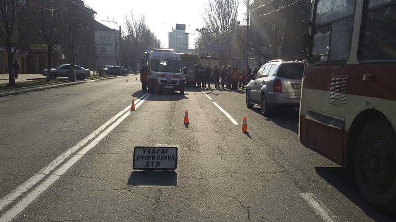 В Мариуполе маршрутка столкнулась с троллейбусом. Пострадали 8 человек (ФОТО+ДОПОЛНЕНО), фото-8