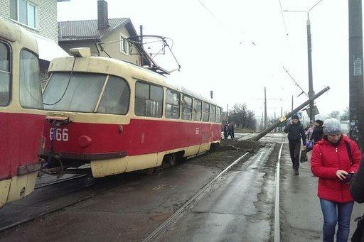 На проспекте Тракторостроителей трамвайная пробка (ФОТО) (фото) - фото 1