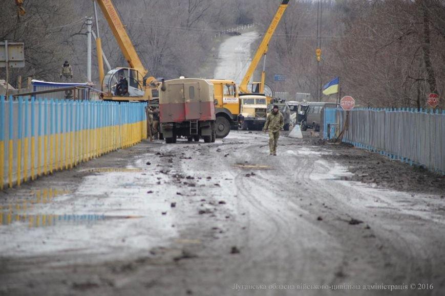 Губернатор Луганщины в Золотом осмотрел пропускной пункт и сделал анонс важного события (ФОТО), фото-4