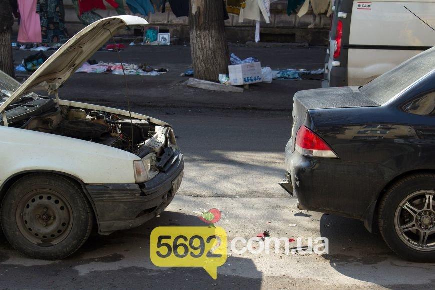 В центре Днепродзержинска произошло тройное ДТП (фото) - фото 4