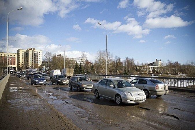 После ремонта проезжая часть моста 50-летия Октября станет шире. (фото) - фото 1