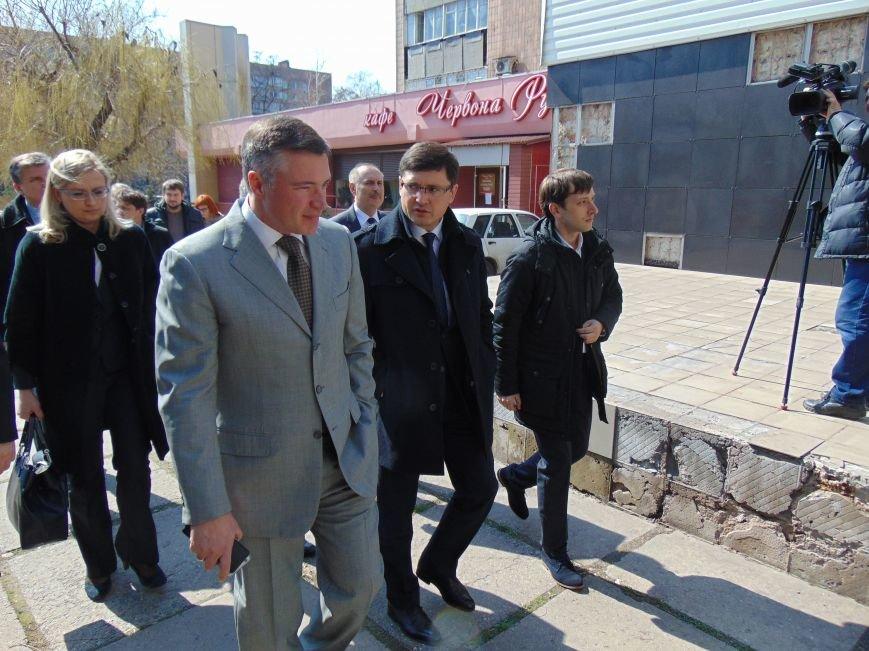 Через три месяца мариупольцев оградят от чиновников, - Бойченко (ФОТО) (фото) - фото 1