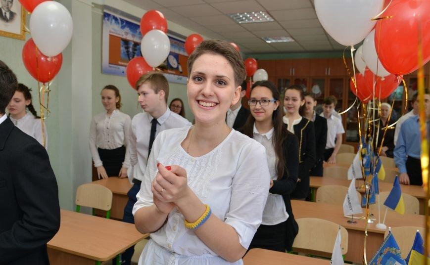 ММК им. Ильича открывает новые профильные кабинеты для мариупольских школьников (фото) - фото 1