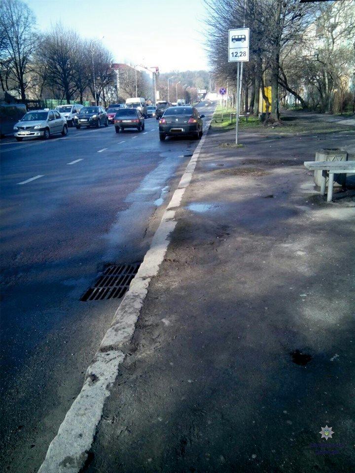 У Львові на пішохідному переході автомобіль переїхав жінці ногу (ФОТО), фото-1
