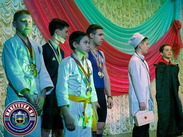 Макеевчане выбрали лучшую школьную агитбригаду (фото) - фото 2