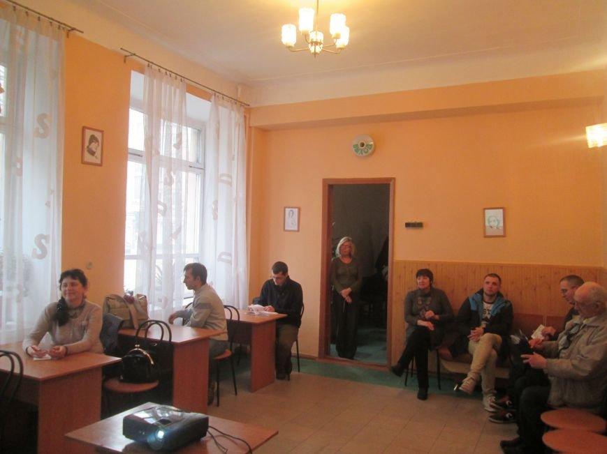 В центральной библиотеке стартовал проект «Днепродзержинская фотографическая инициатива», фото-4