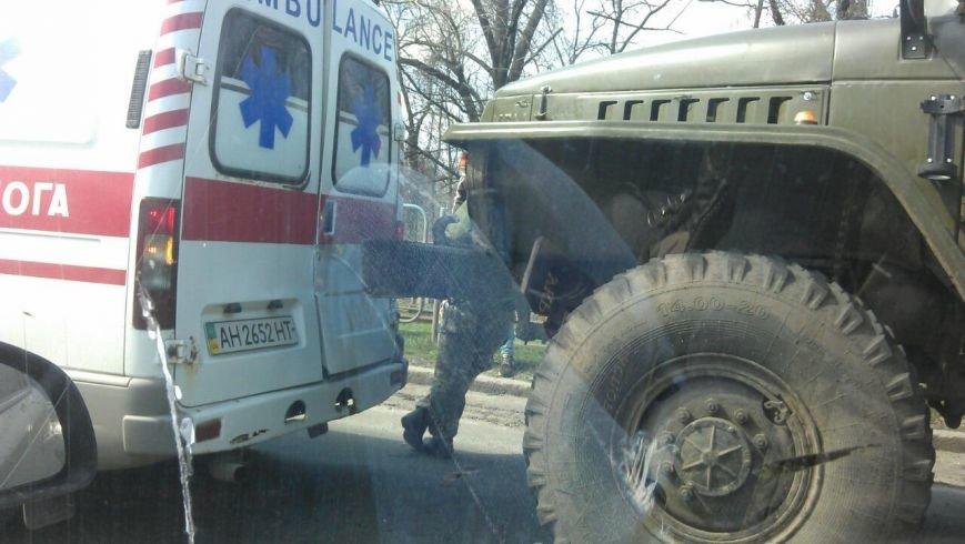 В Краматорске военный УРАЛ врезался в