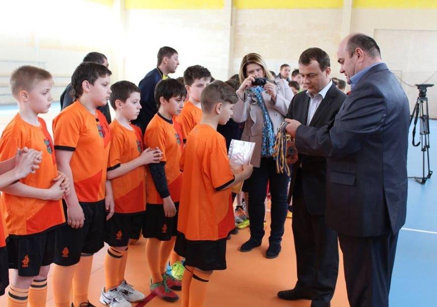 В Красноармейске (Покровске) состоялся «Кубок мэра города» по мини-футболу, фото-1