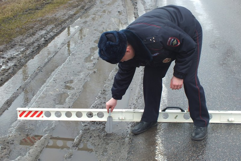 На трассе в Прохоровском районе недосчитались 23 дорожных знаков (фото) - фото 2