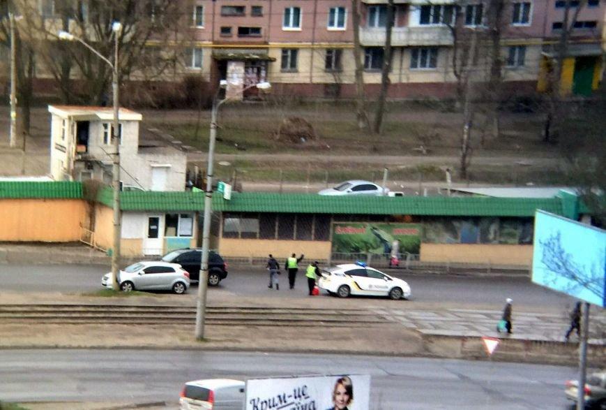 ДТП на Донецком шоссе: водитель легкового авто сбил ребенка (ФОТО) (фото) - фото 2