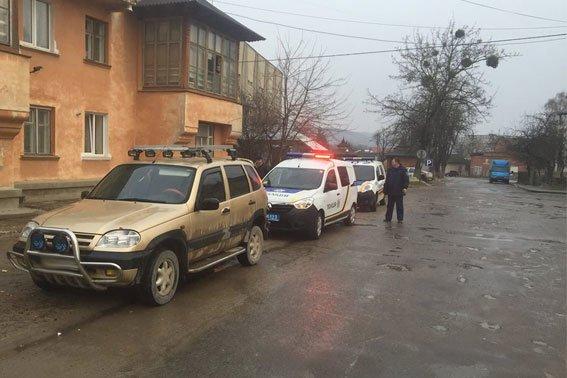 На Львівщині колишній працівник міліції погрожував патрульним (ФОТО) (фото) - фото 2