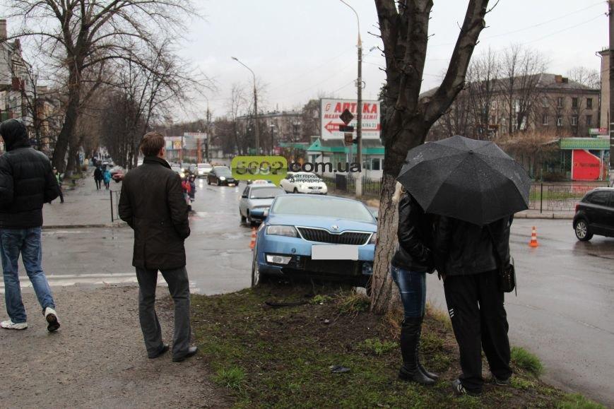 В Днепродзержинске произошло ДТП на пересечении проспектов Свободы и Аношкина (фото) - фото 5