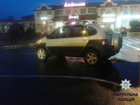 Шедевры паркования по-херсонски. Продолжение (фото) (фото) - фото 1