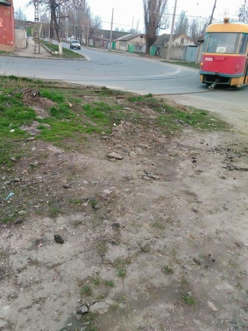 В Одессе трамвай может рухнуть из-за образовавшегося ручья (ФОТО) (фото) - фото 1