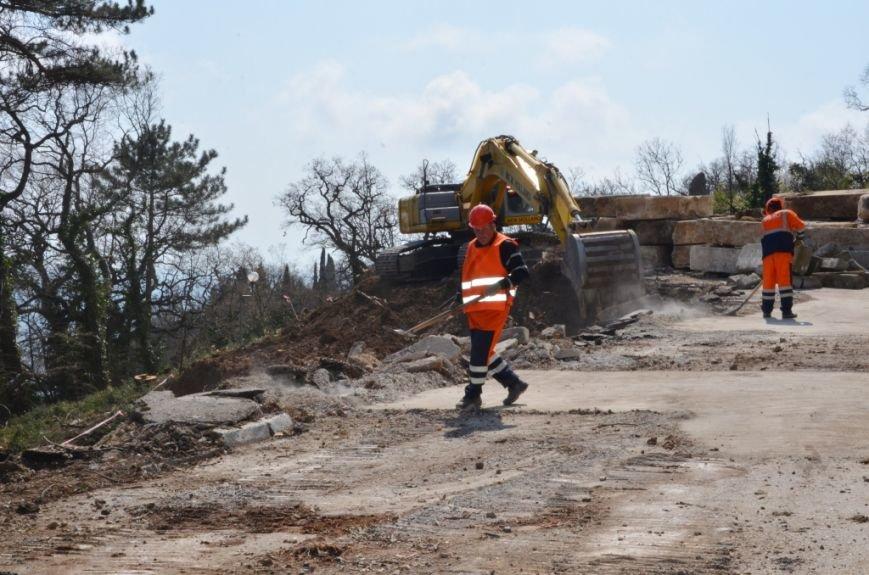 В Ялте приступили к ремонту участка дороги «Ялта – Гончарное» (3)