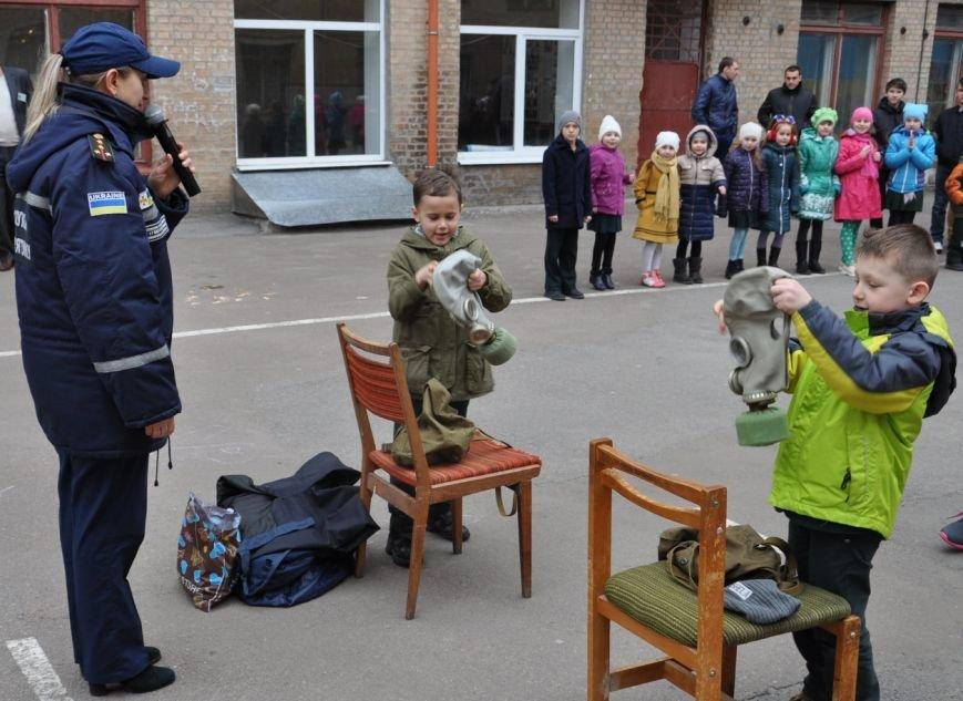 Напередодні весняних канікул рятувальники провели акцію «Запобігти. Врятувати. Допомогти» для учнів кіровоградської школи (ФОТО), фото-2