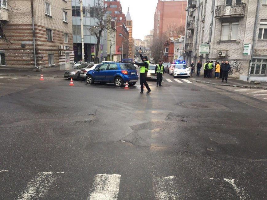 Тройное ДТП на перекрестке Старокозацкой и Исполкомовской: пострадала женщина (фото) - фото 5