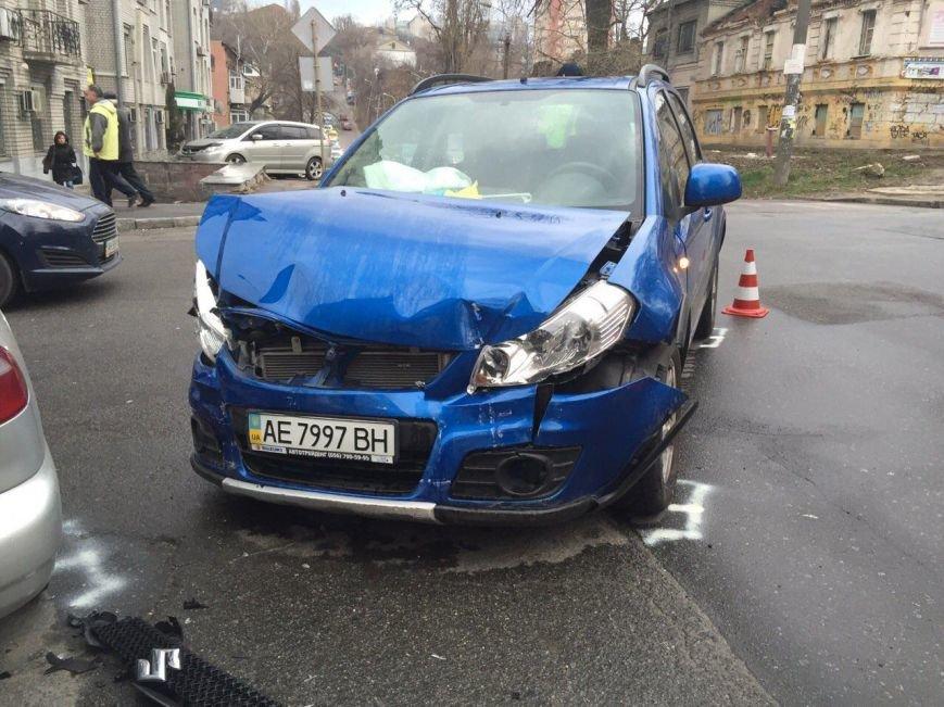 Тройное ДТП на перекрестке Старокозацкой и Исполкомовской: пострадала женщина (фото) - фото 7