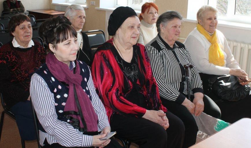 Бахмутские старики не сдержали слез, фото-5