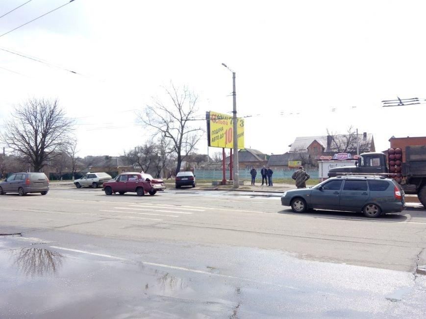 ДТП в Кировограде: грузовик протаранил легковой автомобиль (ФОТО), фото-2