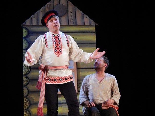 Почему «д'ябал» был «стомлены» узнали зрители на спектакле в Новополоцке (фото) - фото 5