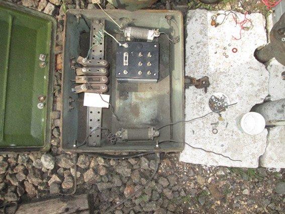 Со станции «Николаев-грузовой» злоумышленники демонтировали и выкрали дроссель-транформаторы (фото) - фото 1