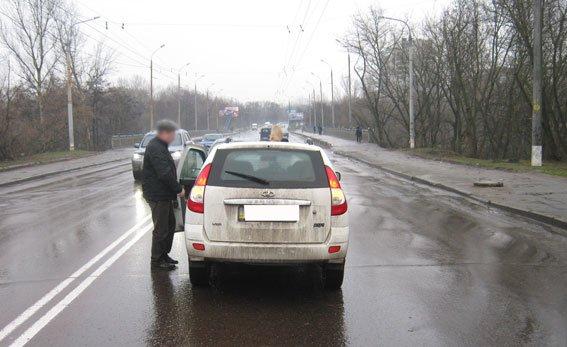 ДТП в Сумах: 10-летняя девочка попала под колеса автомобиля (ФОТО) (фото) - фото 1
