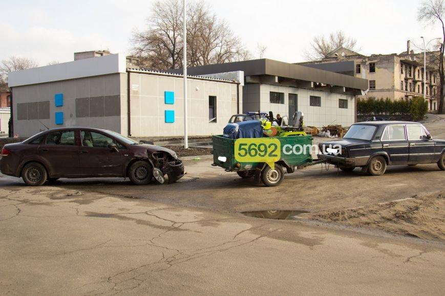 В Днепродзержинске произошло ДТП на проспекте Аношкина (фото) - фото 1