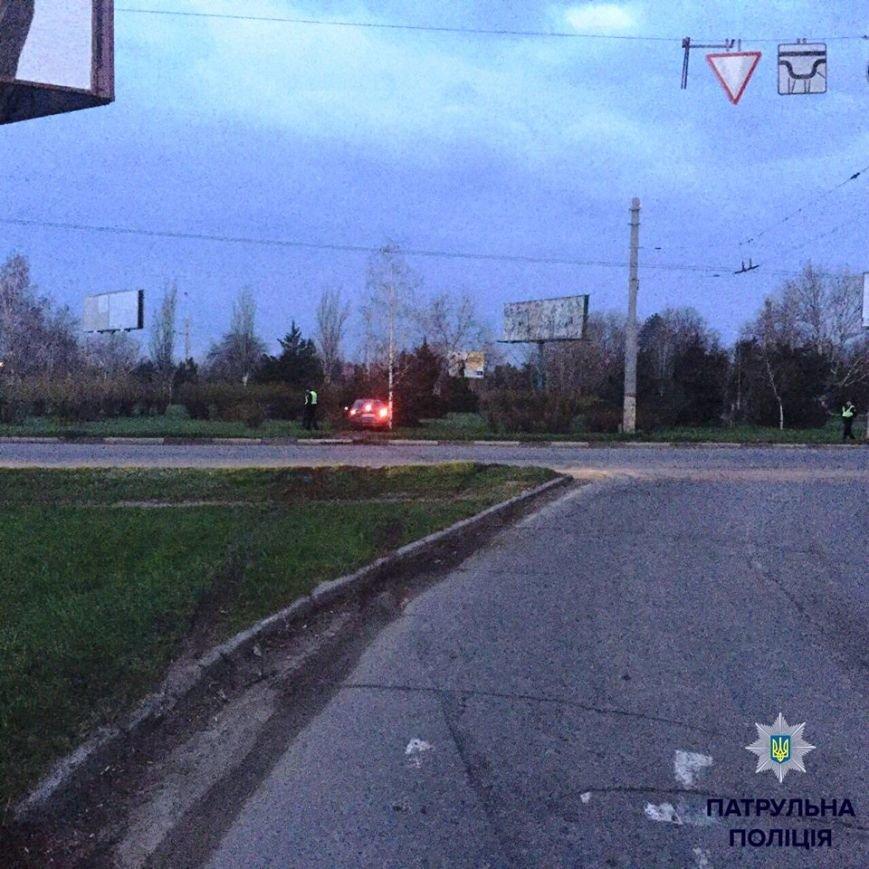Херсонские водители предпочитают движение по зеленой зоне (фото) (фото) - фото 2